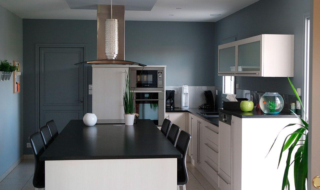 Cuisine en stratifi blanc atelier du bocage for Cuisine en stratifie