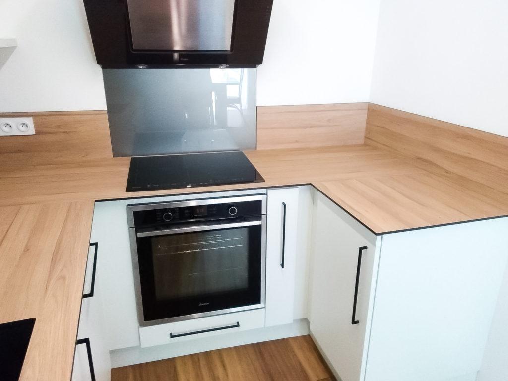 Zoom sur l'intérieur de la cuisine